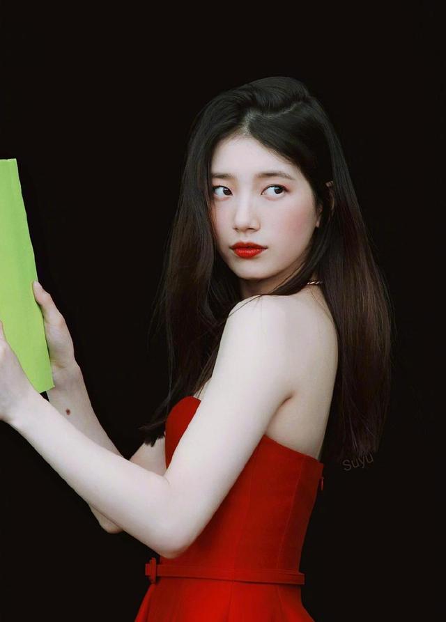 中韩女星撞衫合集,娜扎独挑李圣经韩孝周,秀智被baby秒杀