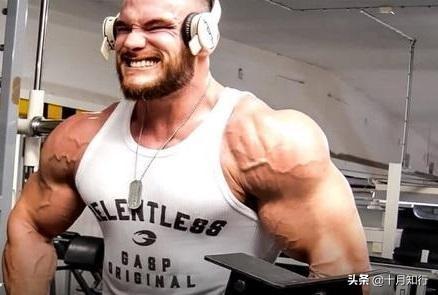 使用啞鈴如何練出好肩膀?注意細節,激活+訓練,讓肩變大變飽滿