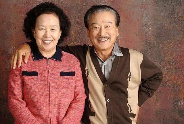 《搞笑一家人》爷爷被曝压榨经纪人,85岁高龄亲自出面辟谣太心酸