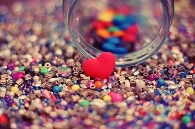 想念一个人的短句子,句句写进心窝里,异地恋的情侣必看