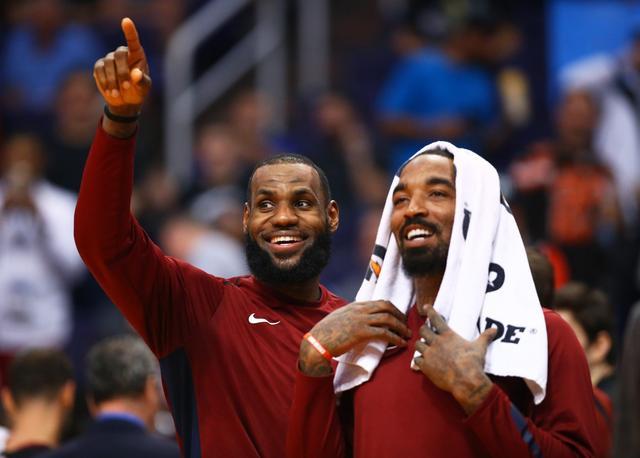 官宣!JR正式簽約湖人改穿21號,詹姆斯發聲迎接:兄弟,我們就像從未離開過!-黑特籃球-NBA新聞影音圖片分享社區