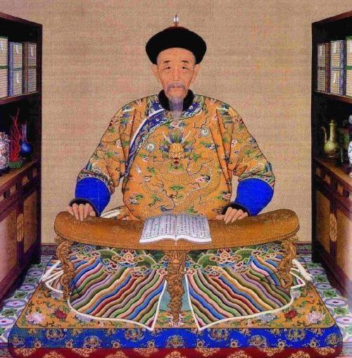雍正登基为废太子封王,还善待其家人,却不赦免囚禁十四年的大哥?