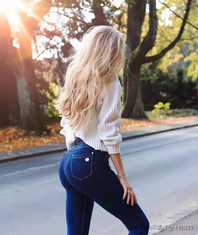 一條彈力帶6個動作,有效改善臀部扁平垂,讓翹臀撐起牛仔褲