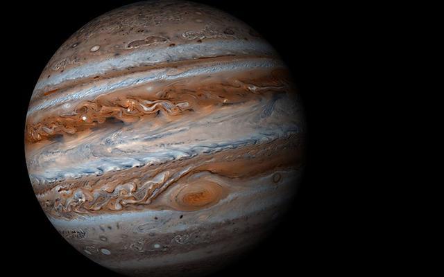 木星上几百岁的龙卷风,它仍然是宇宙中最怪异的眼镜之一