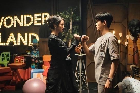 金秀贤新剧《虽然是精神病但没关系》,魔女配天使的设定你喜欢吗
