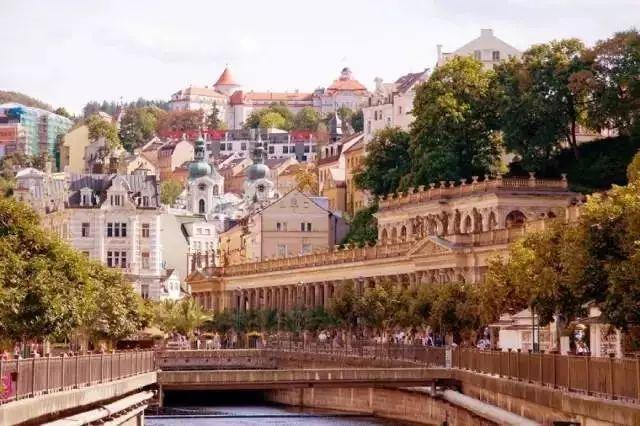 世界最美60个特色小镇案例合集