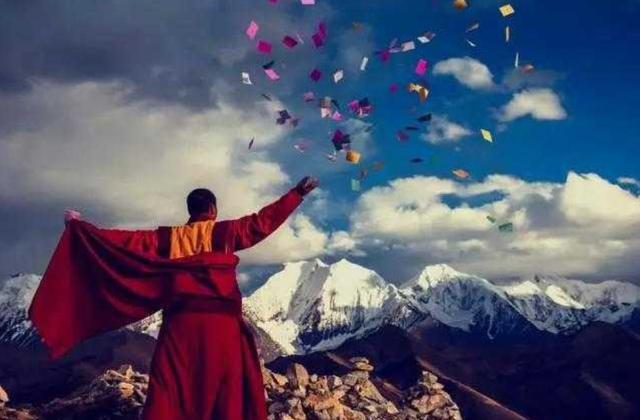 西藏喇嘛摄影图片