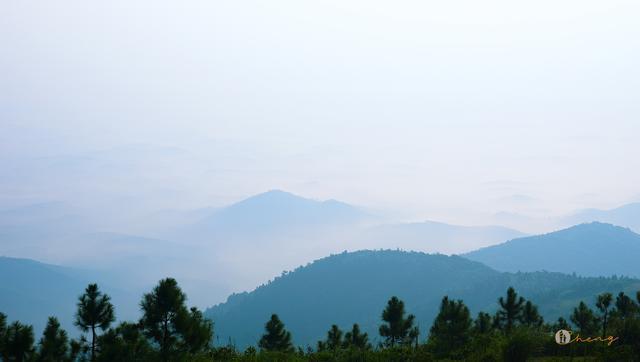 钦州的这座山你来爬过吗,在这里看日出日落仿佛置身天庭