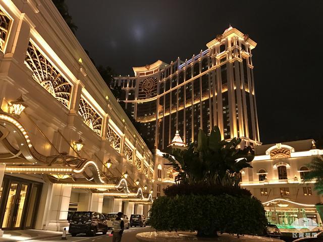 王思聪家开的五星酒店有多豪华?住一晚感受满满的国产土豪风