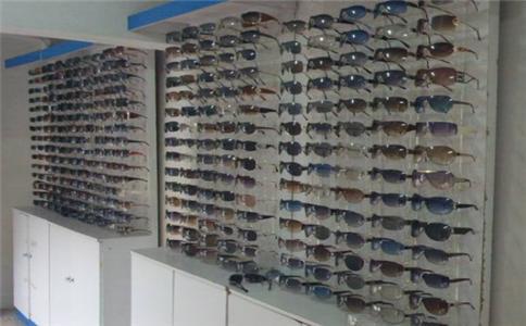 国内比较好的眼镜批发市场有哪些?配眼镜怎么样?到底靠不靠谱?