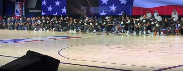 NBA球员集体下跪抗议 詹姆斯表情严肃伦纳德低头沉默