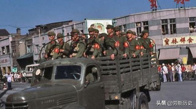 重温1983年严打的街头巷尾,那个年代令人难忘