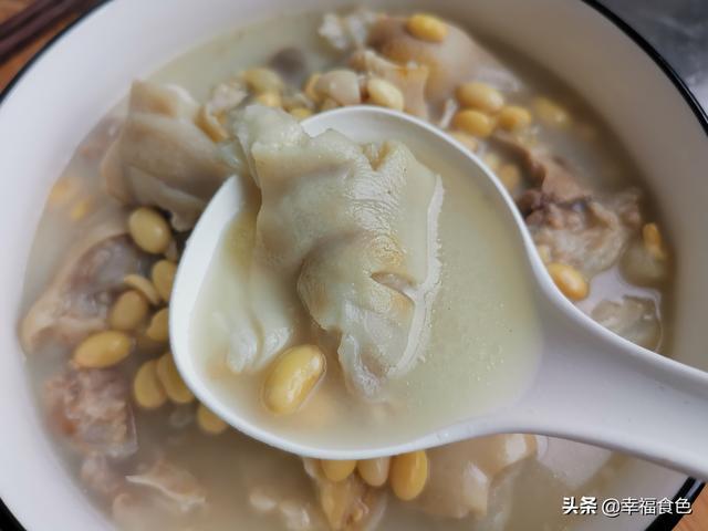 猪蹄炖黄豆猪脚饭
