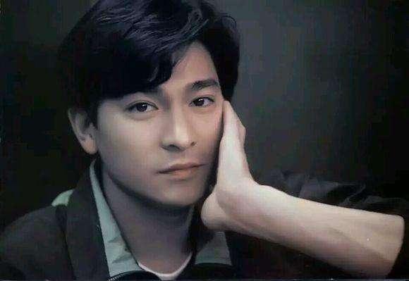 刘德华年轻的时候好帅