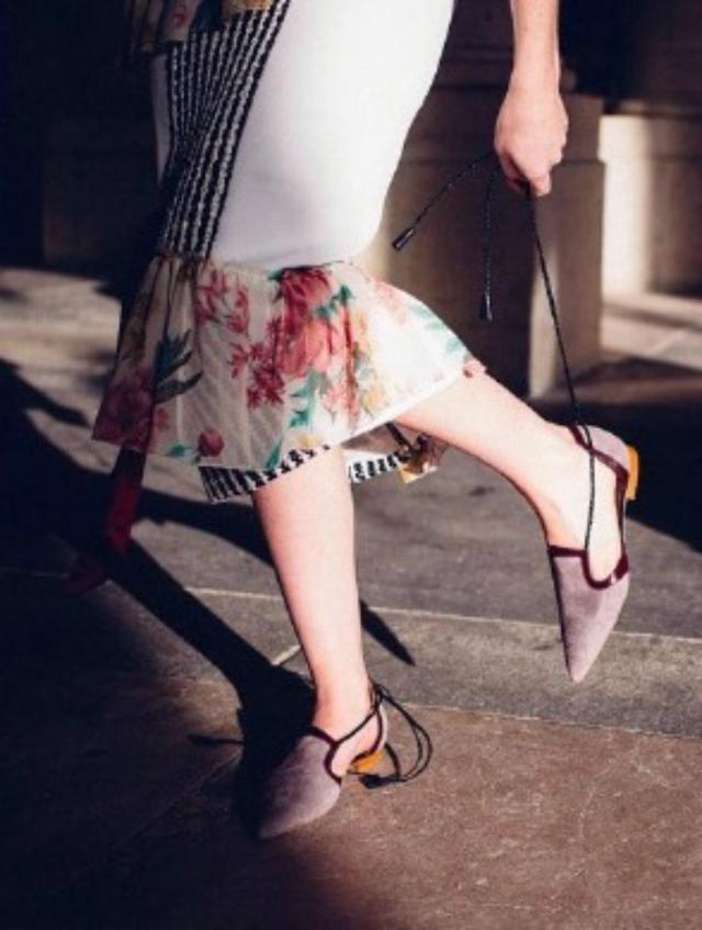 """今年流行这双""""笔尖鞋"""",高级时髦又有女人味,周笔畅都爱不释手"""