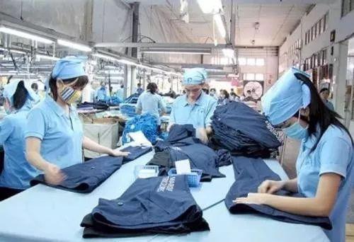 为什么越来越多的工厂,都搬到了越南?