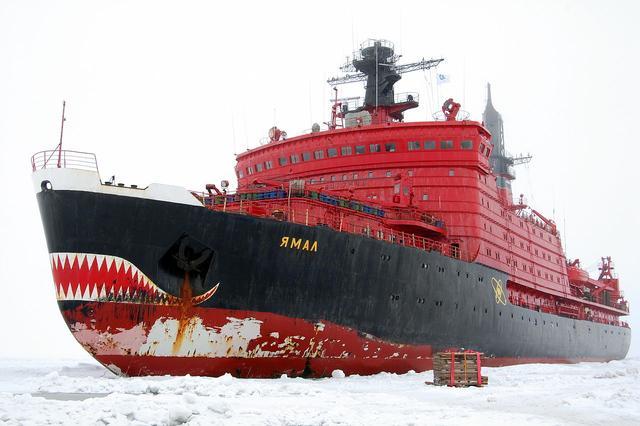 俄罗斯首艘7万吨级核巨兽开工,创下多个第一,美国已是望尘莫及