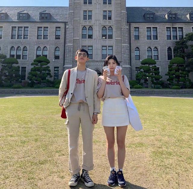 情侣装的正确打开方式,几组大学生情侣的穿搭LOOK,活力满满