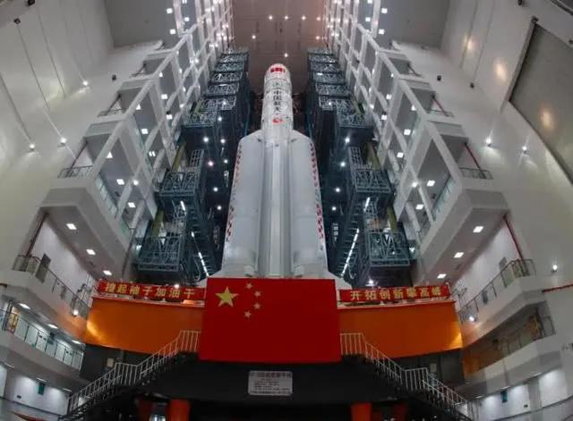 中国航天事业突飞猛进,美:全面封锁,禁止参观,禁发签证