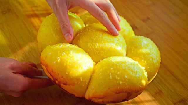 真正懶人面包,萬條拉絲,用電飯鍋就搞定,松軟可口的蛋糕店配方