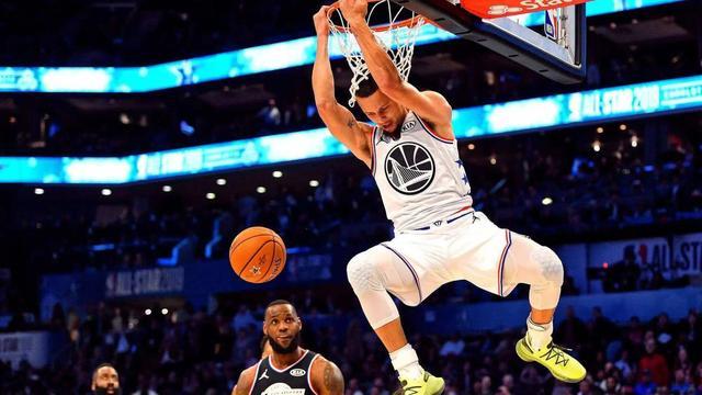 Nash 19年不灌籃,Curry灌籃被籃筐賞火鍋,他們身體素質平平,卻為何改變聯盟呢?