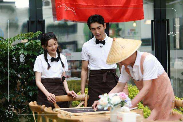 《忘不了餐厅2》一档温暖的综艺,黄渤带老人开餐厅