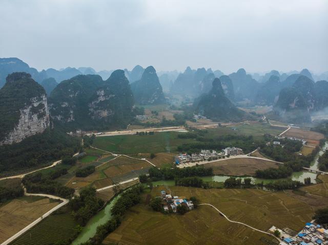 广西除了桂林,还有一处这样的喀斯特地貌景区