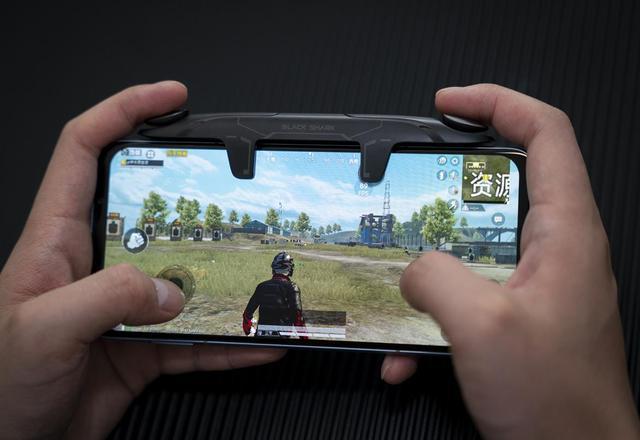 黑鲨游戏手机3S深度评测 腾讯手游加持让上分更轻松