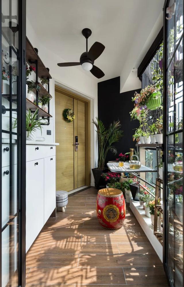 入户花园丨进门是个小阳台,如何利用更实在?