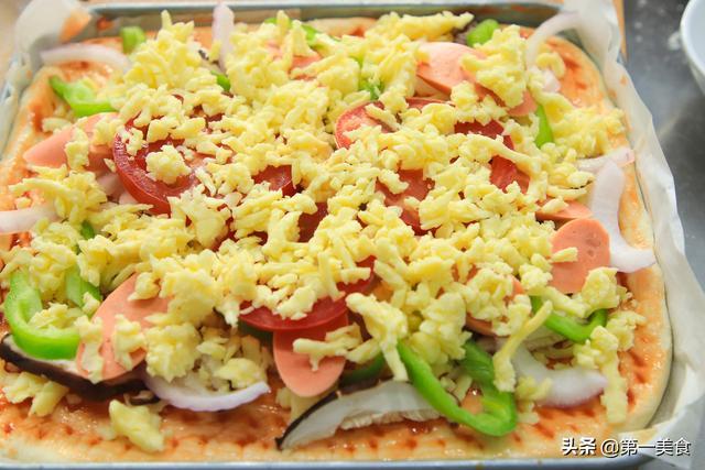 自制披萨饼的做法_自制披萨饼怎么做_美食杰