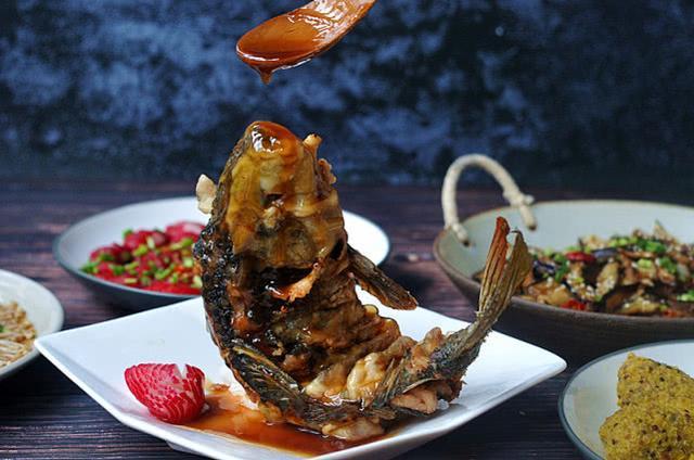 """鲜香无敌的""""鱼跃龙门""""!年夜饭大菜,没有比它更撑场面的了"""