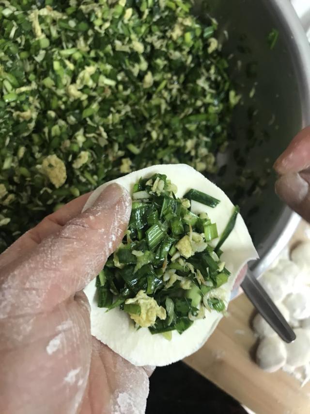 韭菜鸡蛋馅饺子,切完别直接调馅,多加1步,馅鲜香还不出水