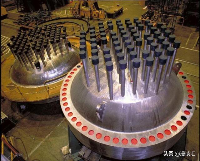 库尔斯克号核潜艇爆炸沉没,足以毁灭海洋的3吨核原料去哪了