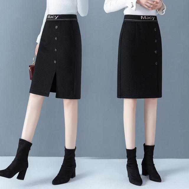 毛呢半身裙,毛呢面料保暖实用,是秋冬季节的首选