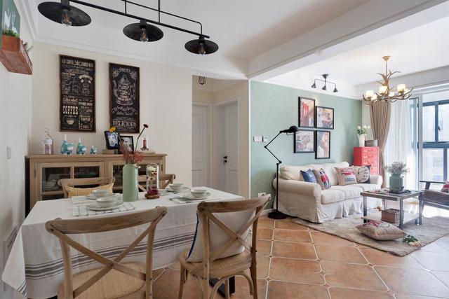 106平美式风三居室,花砖铺贴的三分离式卫生间,实用又好看