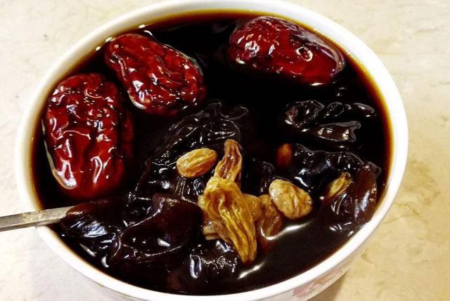 煲什么汤对肝好 推荐十款养肝汤_食疗养生_养生之道网