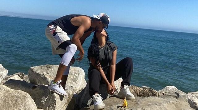 勇士無緣NBA復賽,Curry海邊熱吻妻子,兩人結婚九週年大秀恩愛!-籃球圈
