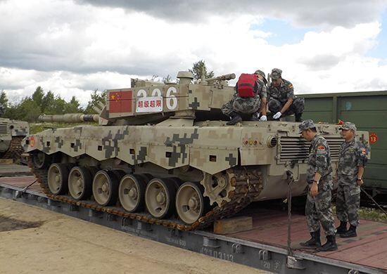 这次终于要出手了,大批96B型坦克开出国门,俄:必须高度重视