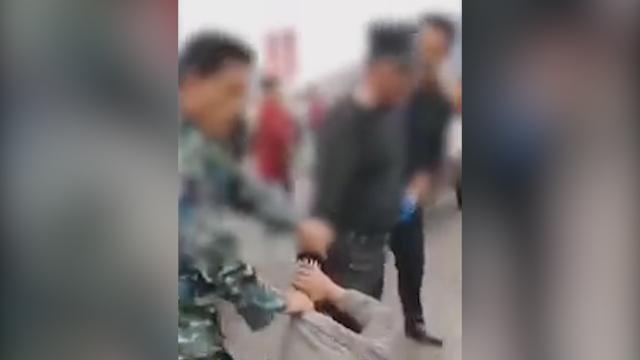 华晨宇综艺中被人扇巴掌全程