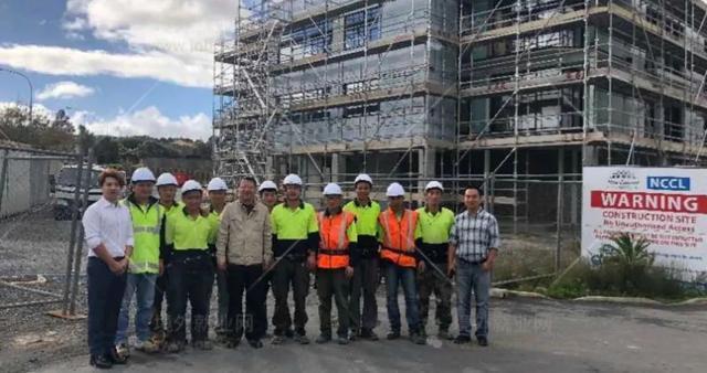 冯成  ︳去新西兰做木工,月薪28000、全家移民&子女免费读书