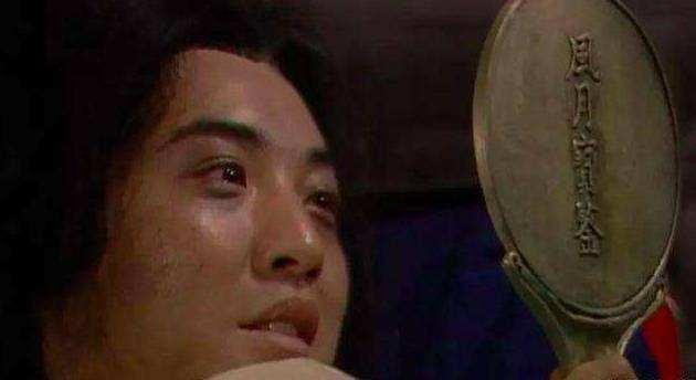 他入戏太深以贾宝玉自诩,苦追陈晓旭被拒,32岁酗酒暴病与世长辞