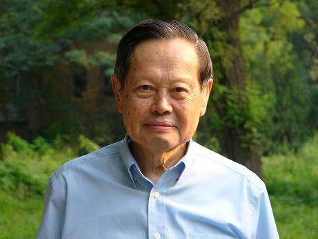 杨振宁——一个有争议有话题的物理学家,看看他有多厉害
