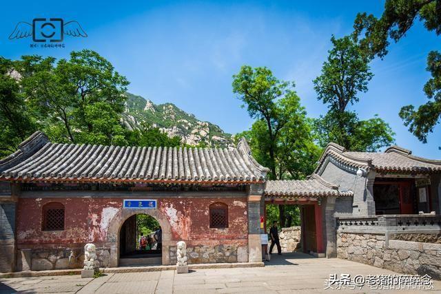 北京凤凰岭自然风景区,位于海淀区,著名景点 龙泉寺。