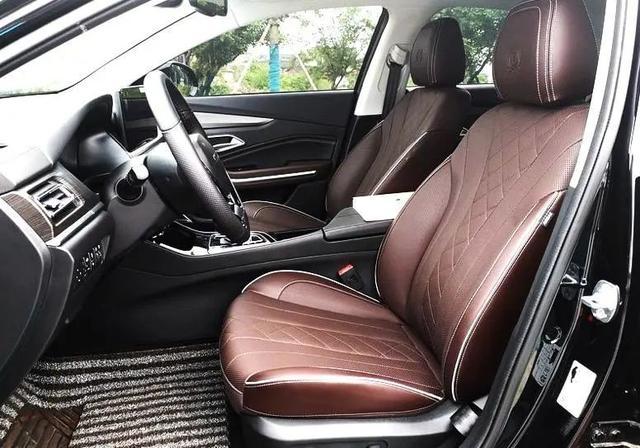 质感比肩奔驰C  配置丰富且实用  BEIJING-EU7车主:高大上