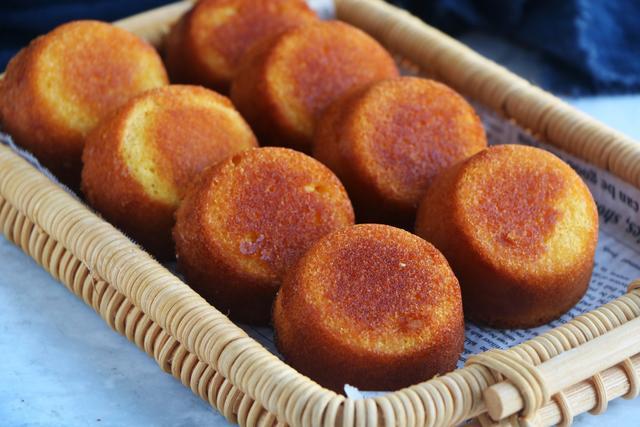 宅家里,教你做無油無水的老式蛋糕,又香又脆,比外面賣的好吃