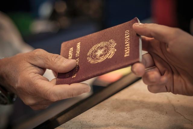 签证、绿卡、永居、护照的区别,投资移民的热门国家/地区有哪些