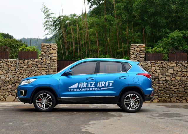 北汽没放弃小型SUV市场,现还卖16款的绅宝X35,6.58万起不贵