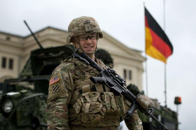 """难怪默克尔要赶走美军?美防长疑似口误:要让欧洲""""避免和平"""""""