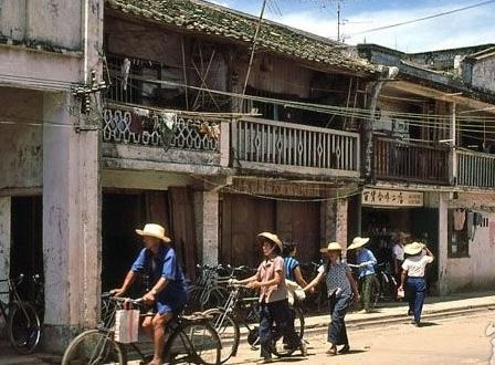 老照片:七八十年代的深圳,从边陲小镇发展为现代都市