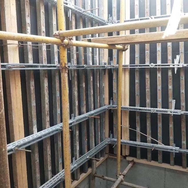 鋼背楞模板加固體系與傳統木方鋼管加固體系對比